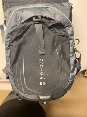 BRAND NEW - Osprey Manta 36 Men's Hiking Backpack - NEVER USED for Sale in Las Vegas, NV