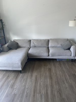 Living Space Sectional Sofa w/ Chaise for Sale in San Diego, CA