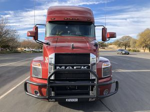 Selling 2019 Mack anthem has 80000 on it for Sale in Fresno, CA