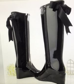 Black dress up rain or snow boots 8 for Sale in Arlington Heights, IL