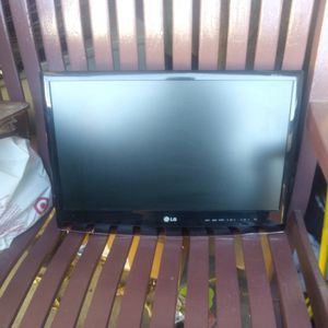 LG Flatron 2018 TV Monitor for Sale in Long Beach, CA