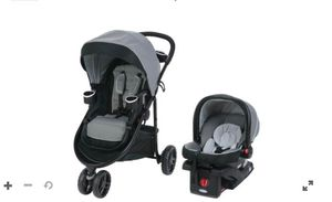 Graco stroller W/car seat for Sale in Boston, MA