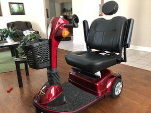 Pride Mobility Maxima SC900 3wheel scooter. Runs great! for Sale in Cibolo, TX
