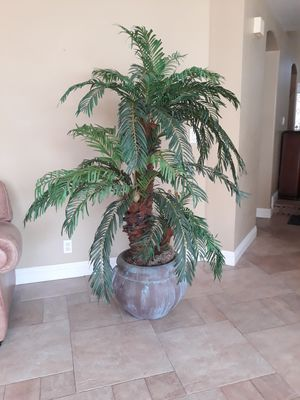 6ft artificial dwarf palm and patina terracotta pot for Sale in Twin Falls, ID