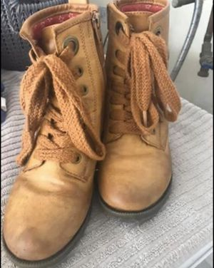 Girls Boots size 2 for Sale in Yorba Linda, CA