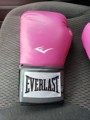 Boxing gloves women for Sale in Hayward, CA