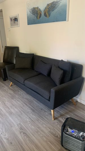 Cute 2 seated couch for Sale in Lancaster, CA