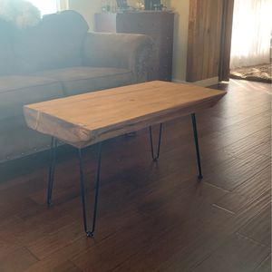Coffee Table for Sale in Clovis, CA