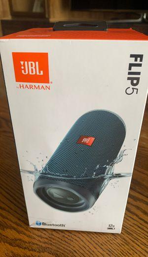 JBL Flip5 Bluetooth speaker Harmon kardon for Sale in Las Vegas, NV