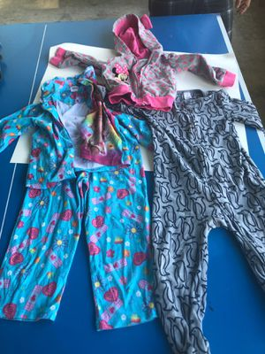 Kids clothes ( disney and gap ) for Sale in Oxon Hill, MD