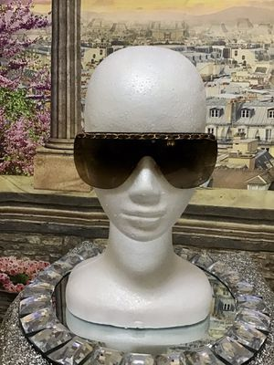 AUTHENTIC PRE-OWNED CHANEL CHAIN SUNGLASSES for Sale in Las Vegas, NV