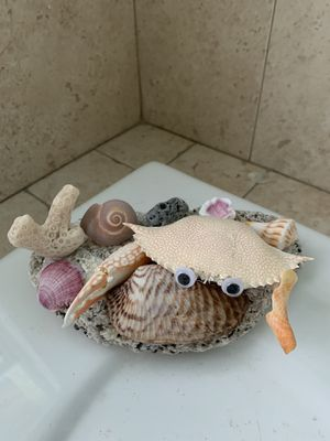 Shell art crab sculpture for Sale in Rotonda West, FL
