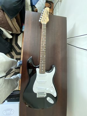 Slammer Electric Guitar with Protective Case for Sale in Waterbury, CT