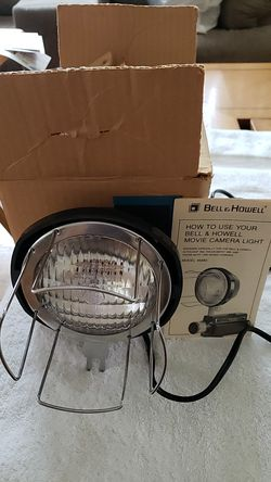 Bell & Howell movie camera light for Sale in Livonia,  MI