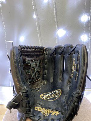 Youth baseball/softball glove 11inch for Sale in MERRIONETT PK, IL