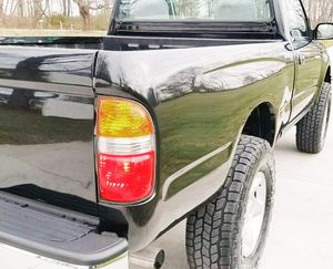 SPECIAL CAR - 2001 TOYOTA TACOMA CLEAN TITLE for Sale in Aurora, IL