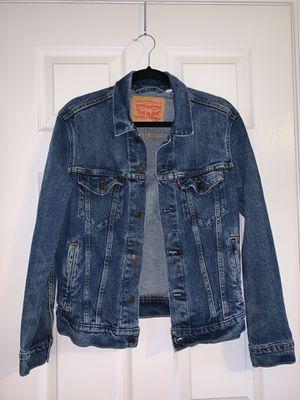 Levi's Men's Denim Trucker Jacket, size S for Sale in Jackson Township, NJ
