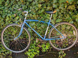 Vintage Fuji Cambridge VI Road Bike for Sale in Portland, OR