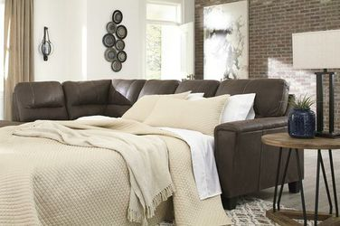 Navi Chestnut LAF Sleeper Sectional for Sale in Round Rock,  TX