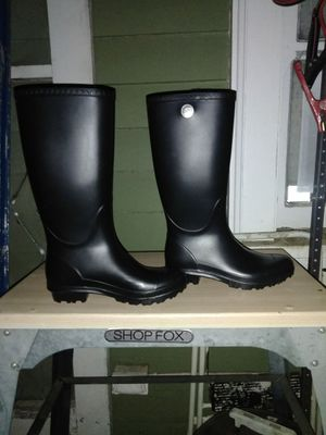Brand new never been worn WOMENS UGG BOOTS size 6 for Sale in Oakland, CA