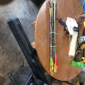 38 Assorted Arrows And Broadheads for Sale in Fort Worth, TX