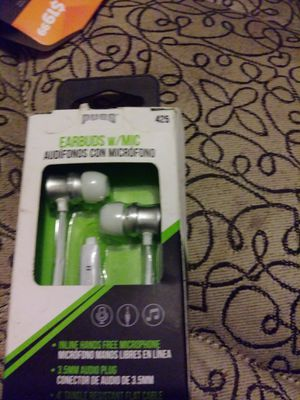 Earbuds w mic 3 $ each for Sale in San Antonio, TX