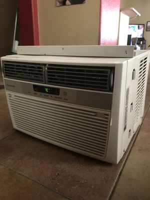 Frigidaire window ac unit for Sale in Phoenix, AZ