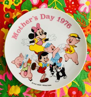 Walt Disney Mother's Day 1976 China plate. for Sale in Tacoma, WA