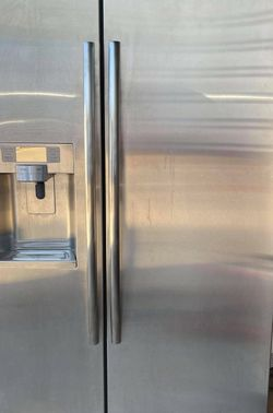 Samsung Refrigerator for Sale in Carrollton,  TX