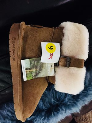 Bearpaw Natural Sheepskin Fur Chestnut Color Booties Size 9 for Sale in Suffolk, VA