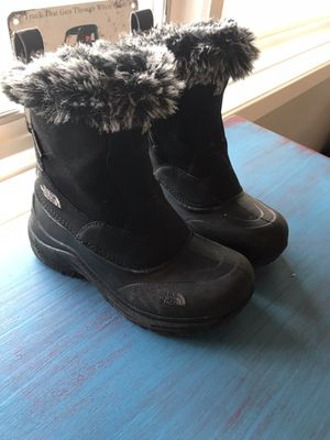North Face Girl's Boots Size 1 for Sale in Bloomfield Hills, MI
