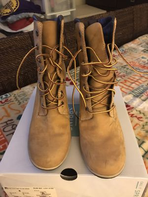 Timberland boots women 8.5 for Sale in Cleveland, OH