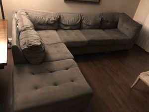 Gray sectional for Sale in Garden Grove, CA