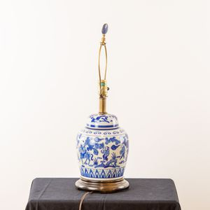 Chinese Ginger Jar Table Lamp (2000166) for Sale in Tempe, AZ
