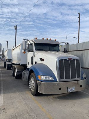 2008 Peterbilt Transfer Truck for Sale in Los Angeles, CA