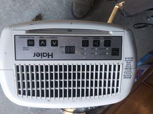 Haier HEN30ET -30 Pint Capacity, Electronic Control - 115 volt Dehumidifier for Sale in Magna, UT