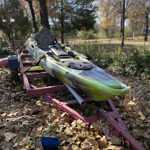 Feel Free Molken 14 Foot Fishing Kayak With Trolling Motor for Sale in Burleson, TX