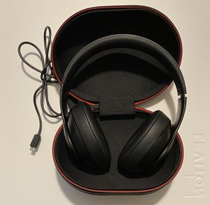 BEATS BY DRE STUDIO 3 NOISE CANCELING WIRELESS HEADPHONES for Sale in Maple Valley, WA