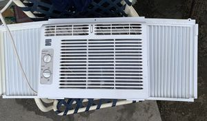 Kenmore 5000 BTU Compact Window Air conditioner for Sale in Garden Grove, CA
