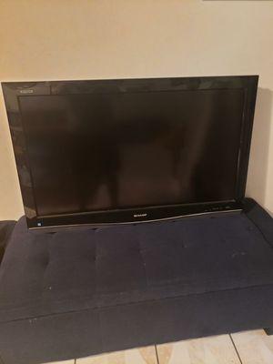 Vendo una tv en buen estado for Sale in Los Angeles, CA