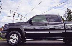 CHEVY SILVERADO LOW MILES 2003 YEAR for Sale in Henderson, NV