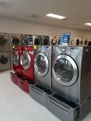 🔥🔥LG washer and electric dryer set with pedestal 90 days warranty 🔥🔥 for Sale in Mount Rainier, MD