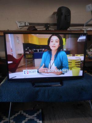 60 inch LG plasma esta bien delgadita for Sale in Los Angeles, CA