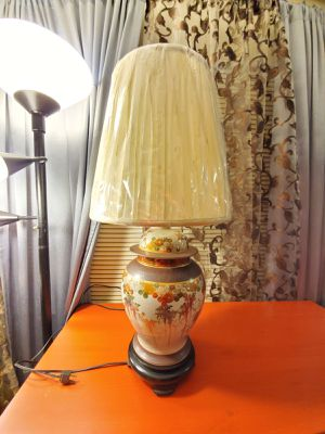 Gorgeous Asian ceramic base lamp with new shade for Sale in Las Vegas, NV