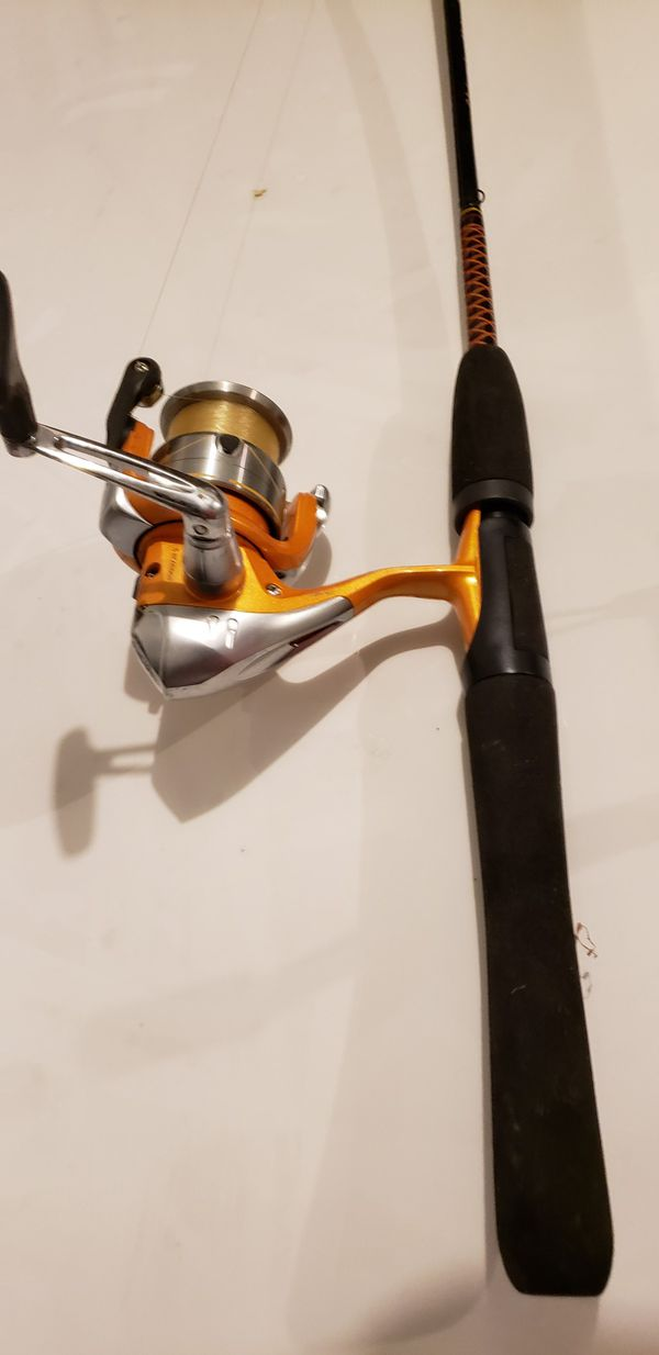 4 Open face fishing reals/rods with Accessories
