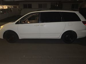 2004 TOYOTA SIENNA LE w/ DVD PLAYER, AUTO SLIDE DOOR!! POWERFUL!! for Sale in Los Angeles, CA