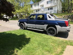 2002 Chevy Avalanche for Sale in Watertown, CT