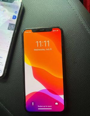 iPhone 11 pro max unlocked for Sale in Lexington, SC