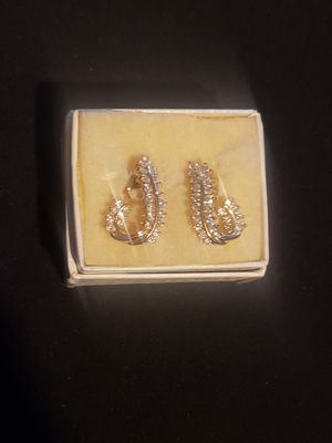 Vintage 14k GOLD and DIAMOND earrings for Sale in San Rafael, CA