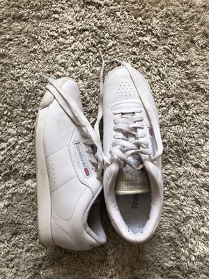 Reebok classic 6.5 or size 7 for Sale in Portland, OR